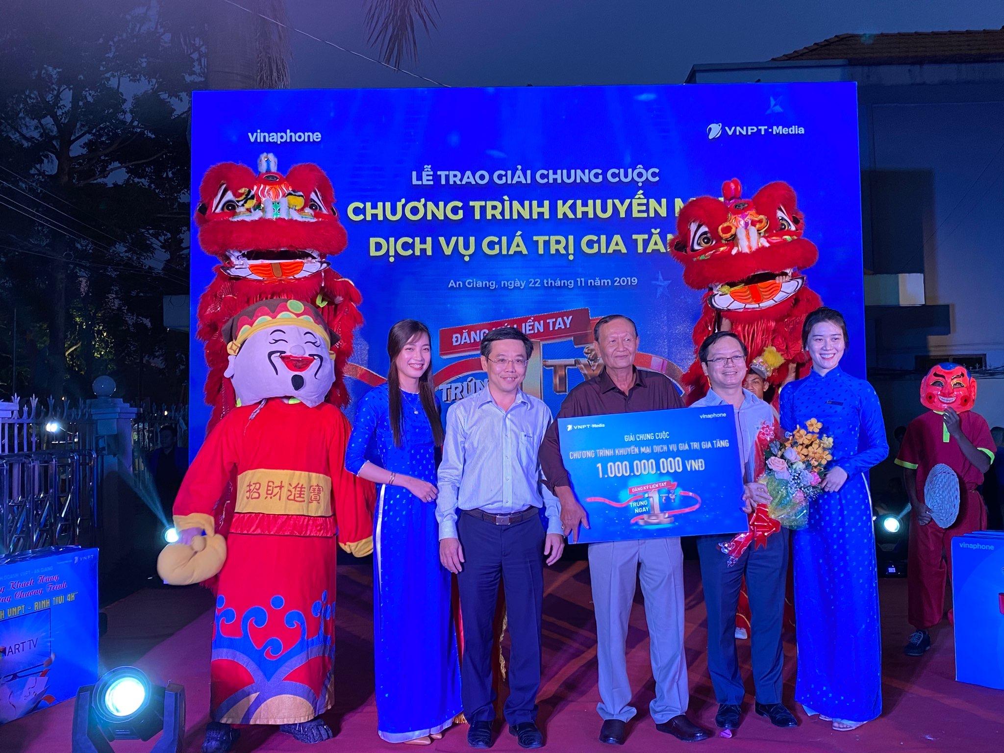 Thuê bao VinaPhone tại An Giang trúng thưởng 1 tỷ đồng tiền mặt