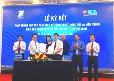 """Doanh nghiệp Việt """"Đi cùng nhau"""" để chuyển đổi số nhanh và bền vững"""